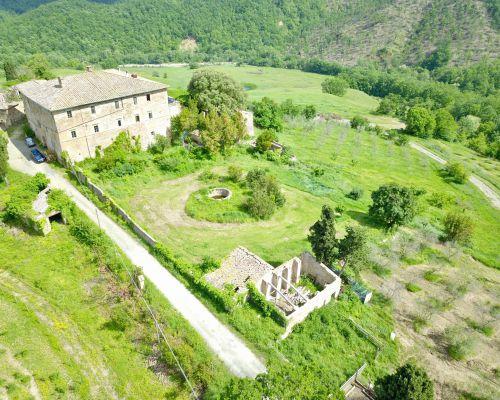 Farm Riding Stables near Siena, in Tuscany, Italy - Fattoria Tègoni